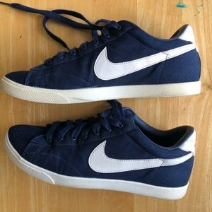 Nike dark blue canvas 7.5 women